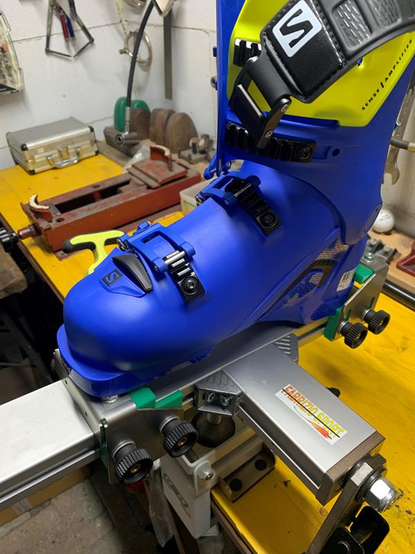 Boot Fitting BootFitting Fabrizio Sport Ski Man Torino Laboratorio sci, noleggio sci, noleggio ciaspole, noleggio snow, preparazione e riparazione sci, tavole da snowborad, scarponi, plantari personalizzati su misura